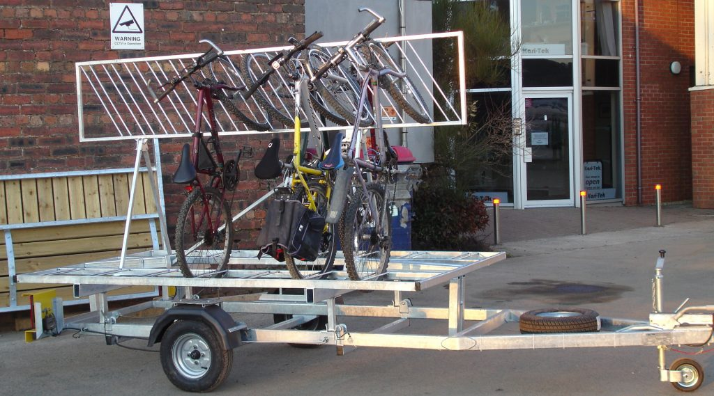 Custom Bute trailer for bikes