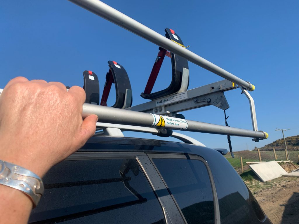 roof-rack-maintenance-handles