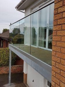 Balcony & glass balustrade